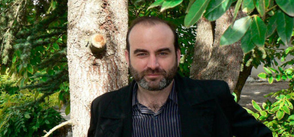 El poeta y novelista  Ernesto Pérez Zúñiga participa en el ciclo Presencias Literarias en la Universidad de Cádiz