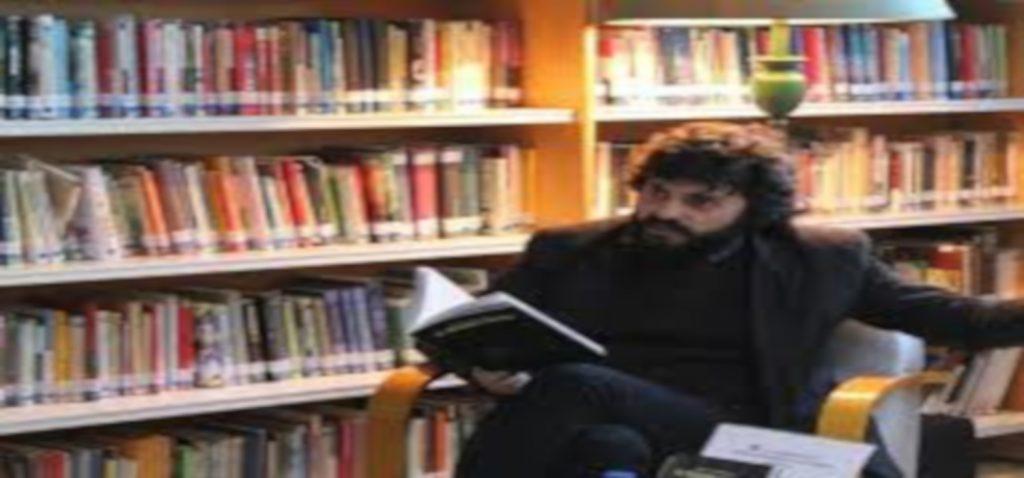 """El filósofo Alberto Santamaría presenta su libro """"Alta cultura descafeinada"""" en el programa Presencias Periférica en la Universidad de Cádiz"""
