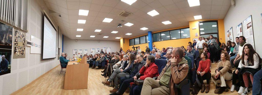 Presencias Cinematográficas en la Universidad de Cádiz: José Luis Cuerda dialoga con Bruto Pomeroy