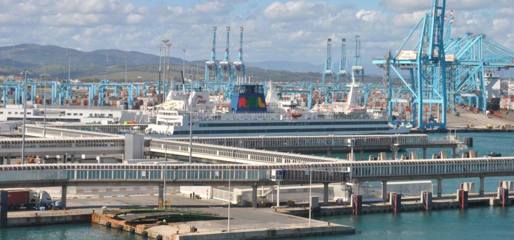 Estrategia medioambiental en los puertos y en el transporte marítimo  en los Cursos de Verano de San Roque