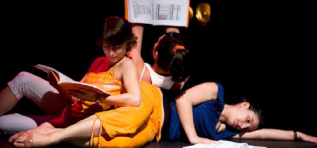 """""""Del yo al personaje y del personaje al yo"""", un nuevo módulo de la Escuela de Formación Teatral de la UCA"""