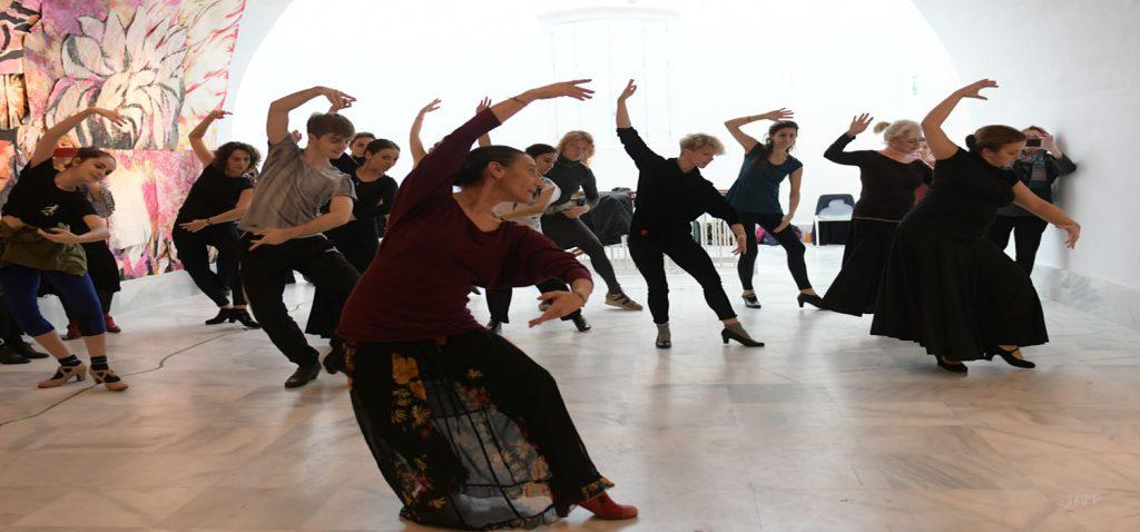 """La Escuela de Danza del Servicio de Extensión Universitaria celebró con éxito su tradicional encuentro """"El regalo de la danza"""""""