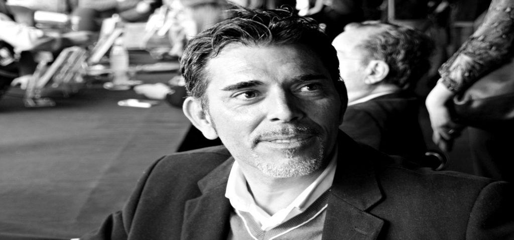 El vicerrectorado de Cultura organiza un encuentro virtual con el escritor Víctor del Árbol, en el marco del programa Presencias Literarias en Red