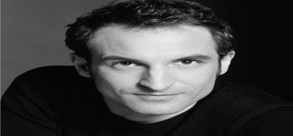 El actor gaditano Julián Villagrán protagonizará un Diálogo virtual en el programa Cine en Red (Proyecto Atalaya), coordinado por el Servicio de Extensión Universitaria del vicerrectorado de Cultura de la UCA