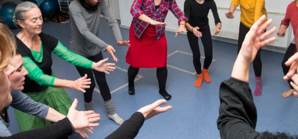 """Se inicia el módulo """"Los estratos rítmicos, un legado de las culturas africanas: Elementos para una arqueodanza"""", en la Escuela de Danza de la UCA"""