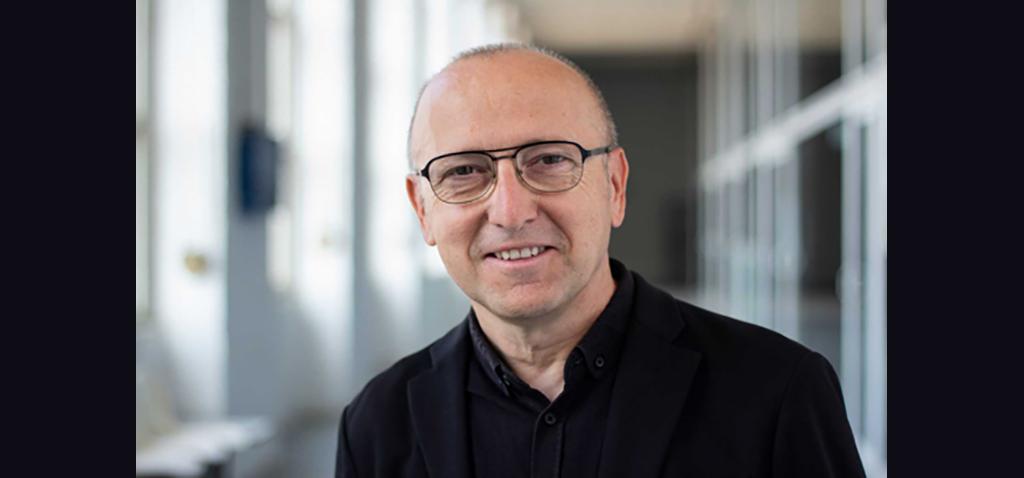 """Las Presencias Literarias en la UCA regresan en octubre a los campus Bahía de Algeciras y Cádiz de la mano de Óscar López, director y presentador de """"Página 2"""" de RTVE"""